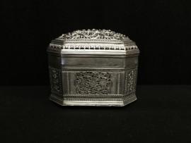 pierced box no. 283