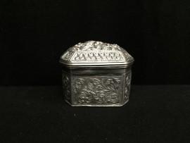small decorated box no. 288