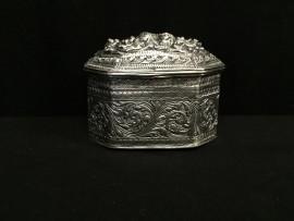 Decorated box no. 315